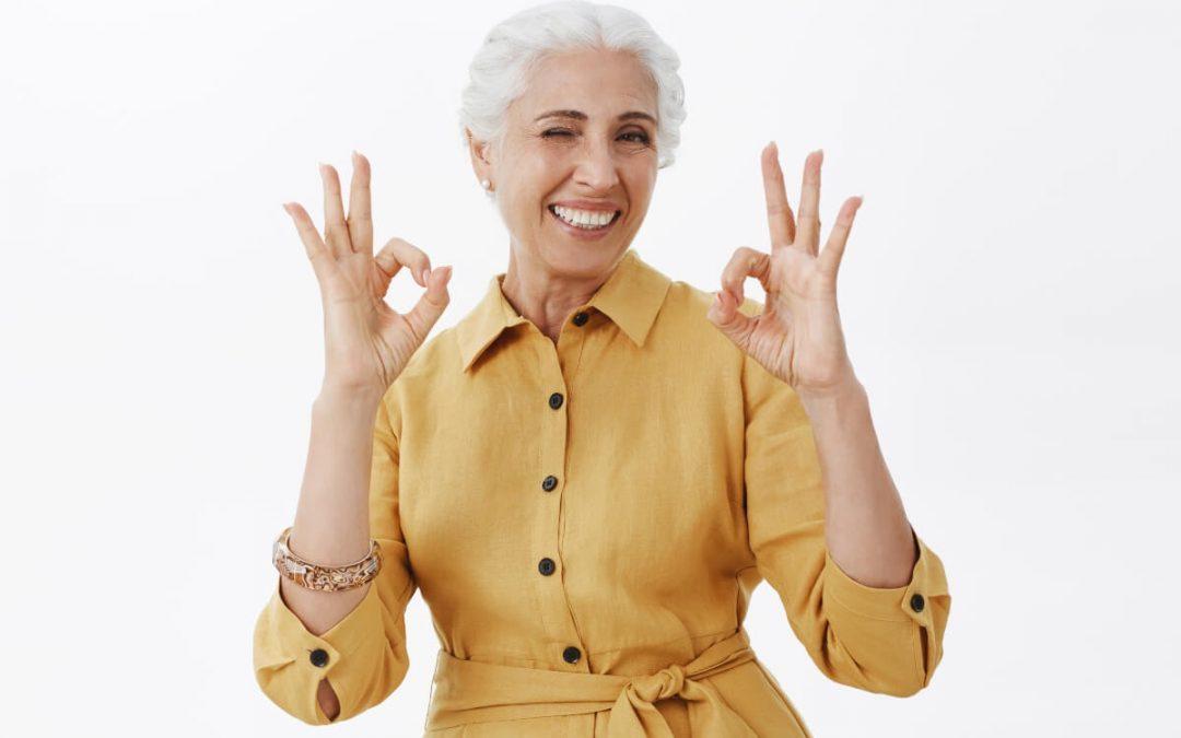 Cómo evitar los implantes dentales amarillos